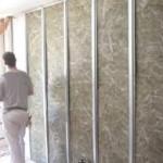 Soluciones de rehabilitación de fachada (III): Aislando por el interior